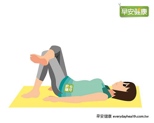 躺著4字形抬腿練骨盆底肌,3周腰圍就小一吋!