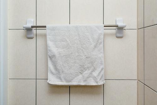 濕毛巾避免放在浴室