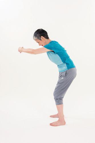降血壓運動:背部伸展操