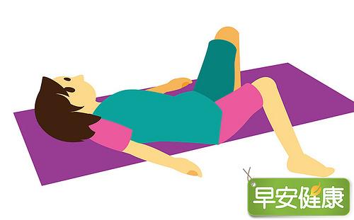 脊骨體操,扭腰