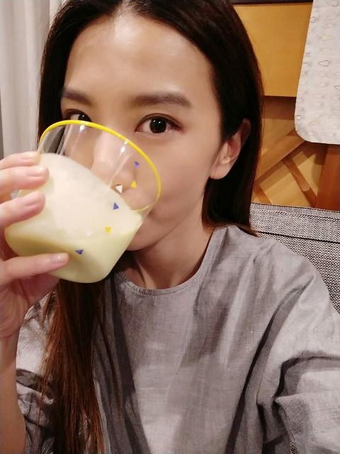 HEBE每天喝酪梨牛奶