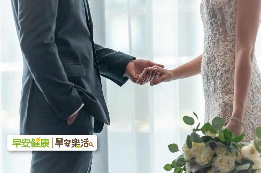 婚姻陷入外遇泥沼,怎麼辦?許瑞云:5道習題為愛存款、而不要破產