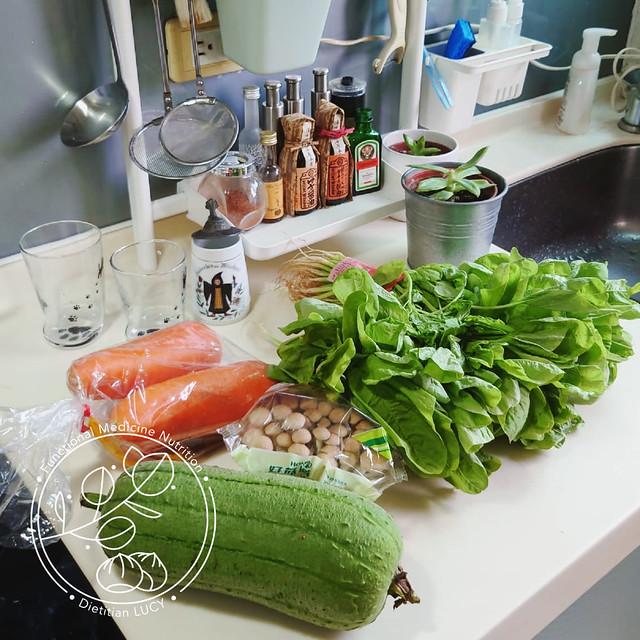 最近青菜超難買,今天手刀搶到這些先!台灣海峽飲食來囉。
